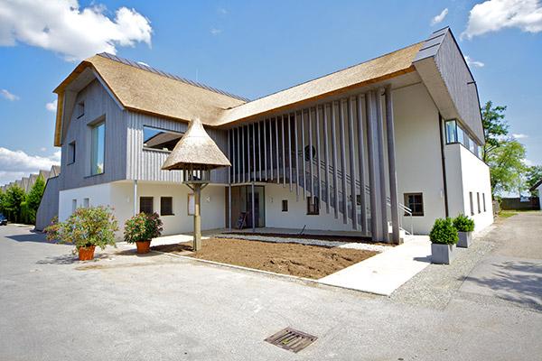 Holzbau Kast Club 119