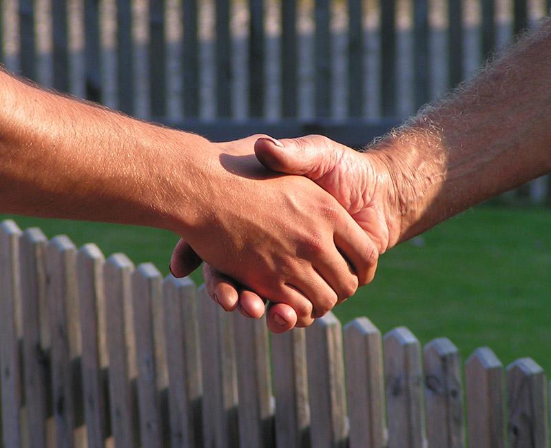 Kast Holzhaus mit Handschlag